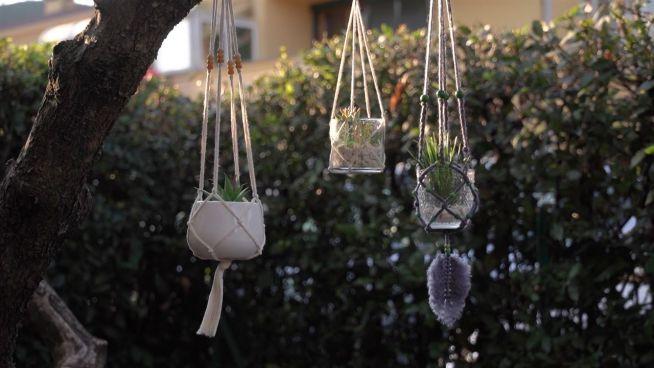 Boho-Heimdekoration: Es ist Zeit, Makramee-Pflanzenhalter herzustellen