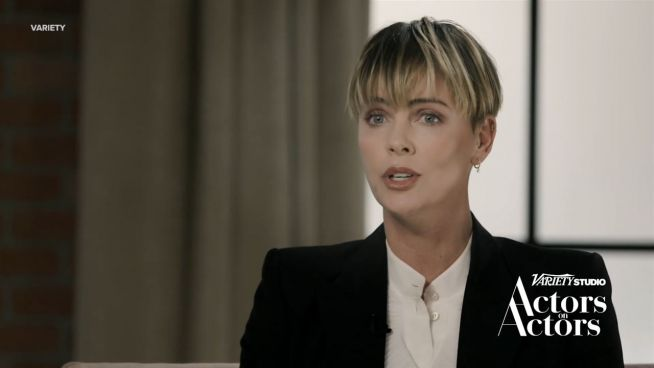 Charlize Theron: 'Leute beschrieben mich als eine Bi***'